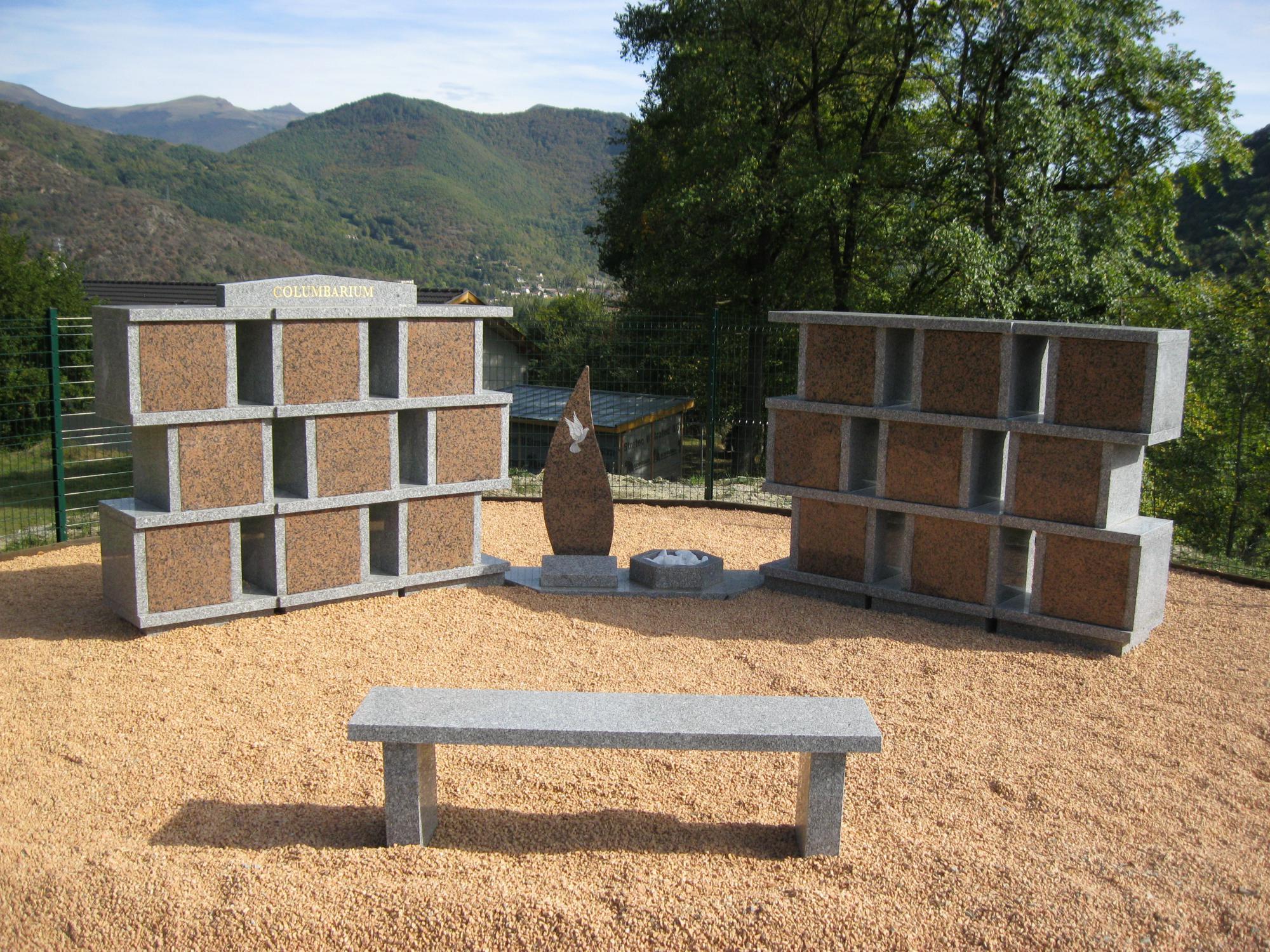 Columbariums en forme de Colonnes faciles de mise en place