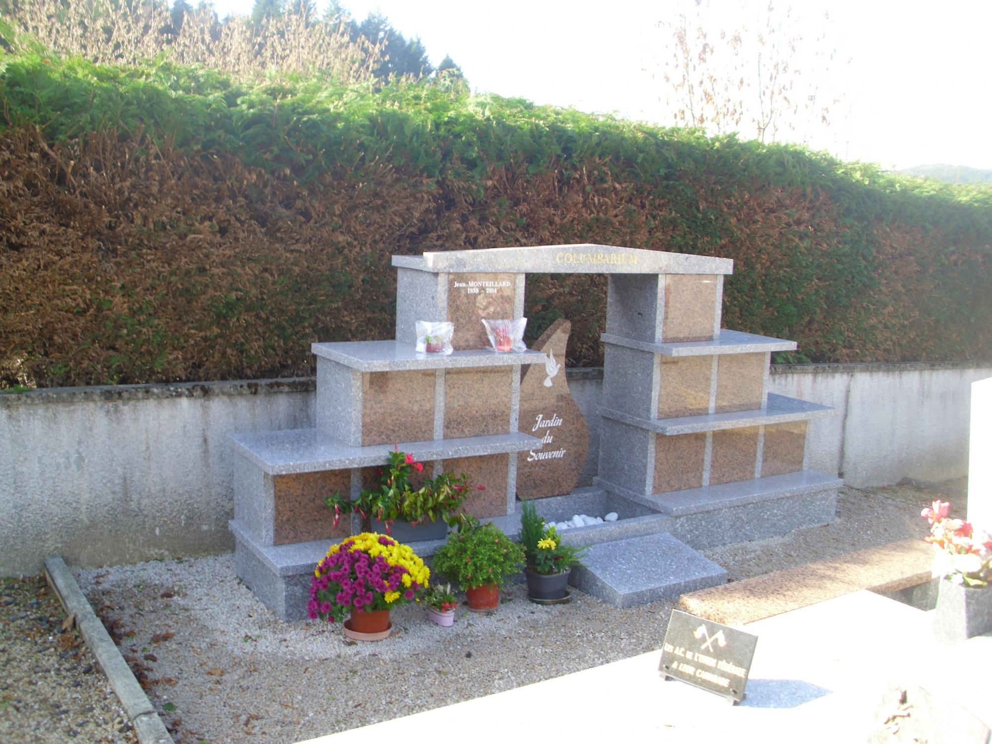 Mod¨les de columbariums Arches avec Jardin du Souvenir